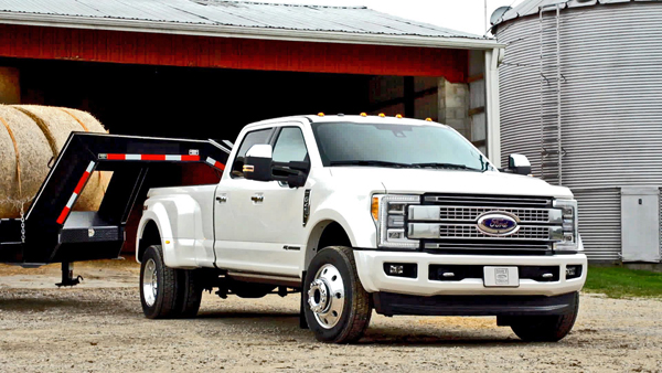 /wp-content/uploads/2016/10/2017-Ford-F-450-featured.jpg