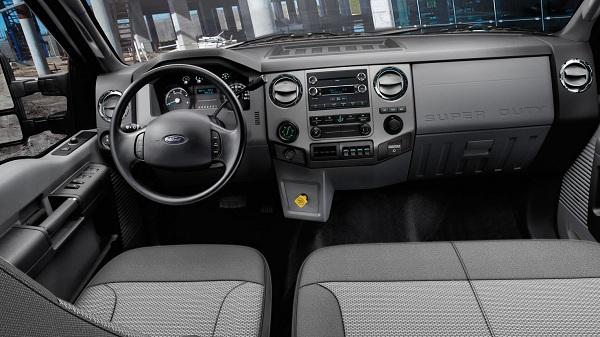 2017-ford-f-650-interior