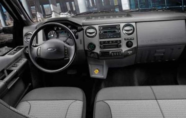 2017-ford-f-750-interior