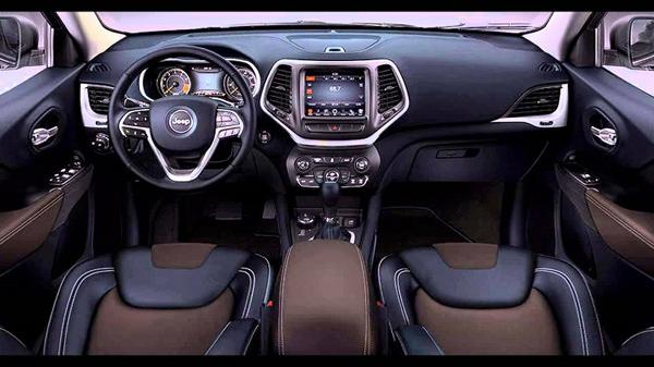 2018-jeep-grand-cherokee-interior