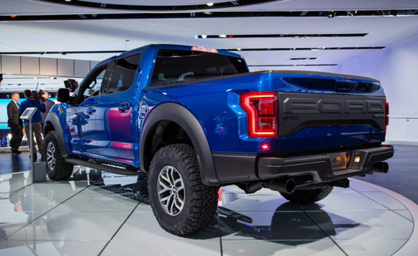 2018-ford-f-150-svt-raptor-back