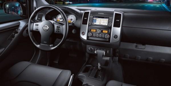 2021-Nissan-Frontier-Interior