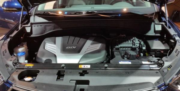 2021-Hyundai-Santa-Fe-Engine