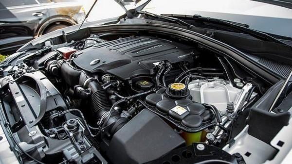 2021-Jaguar-F-Pace-engine
