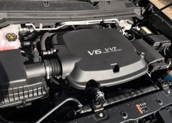 2021 Chevrolet Colorado ZR2 Engine