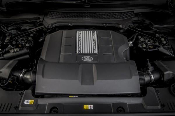 2021-Land-Rover-Defender-engine